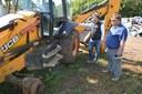Retroescavadeira danificada em Potreiro Grande